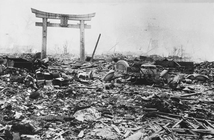 岩川町付近焼け野原(長崎爆心地から700M)